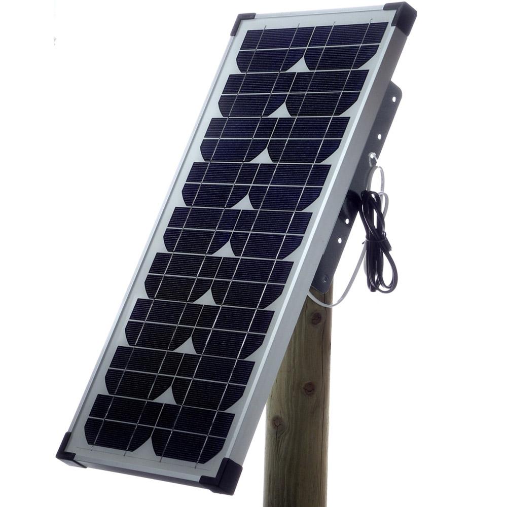 20 W aurinkopaketti: aurinkopaneeli ja kaikki tarvittava Olli 122B, 250B+ ja 450B+ -paimenten täydentämiseen aurinkokäyttöiseksi.